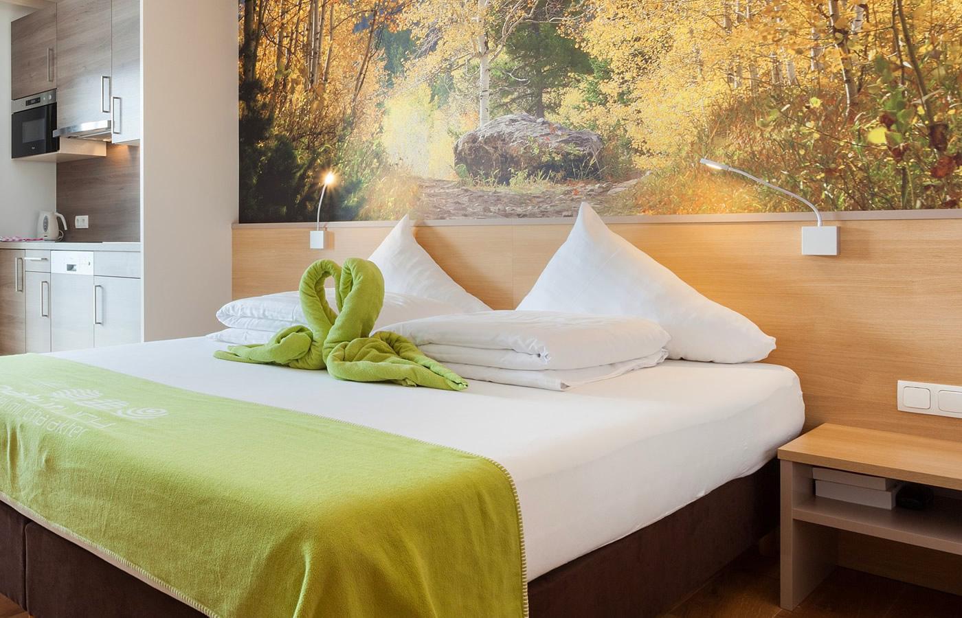 Bettansicht im Natürlich. Hotel in FIss-Serfaus-Ladis in Österreich.