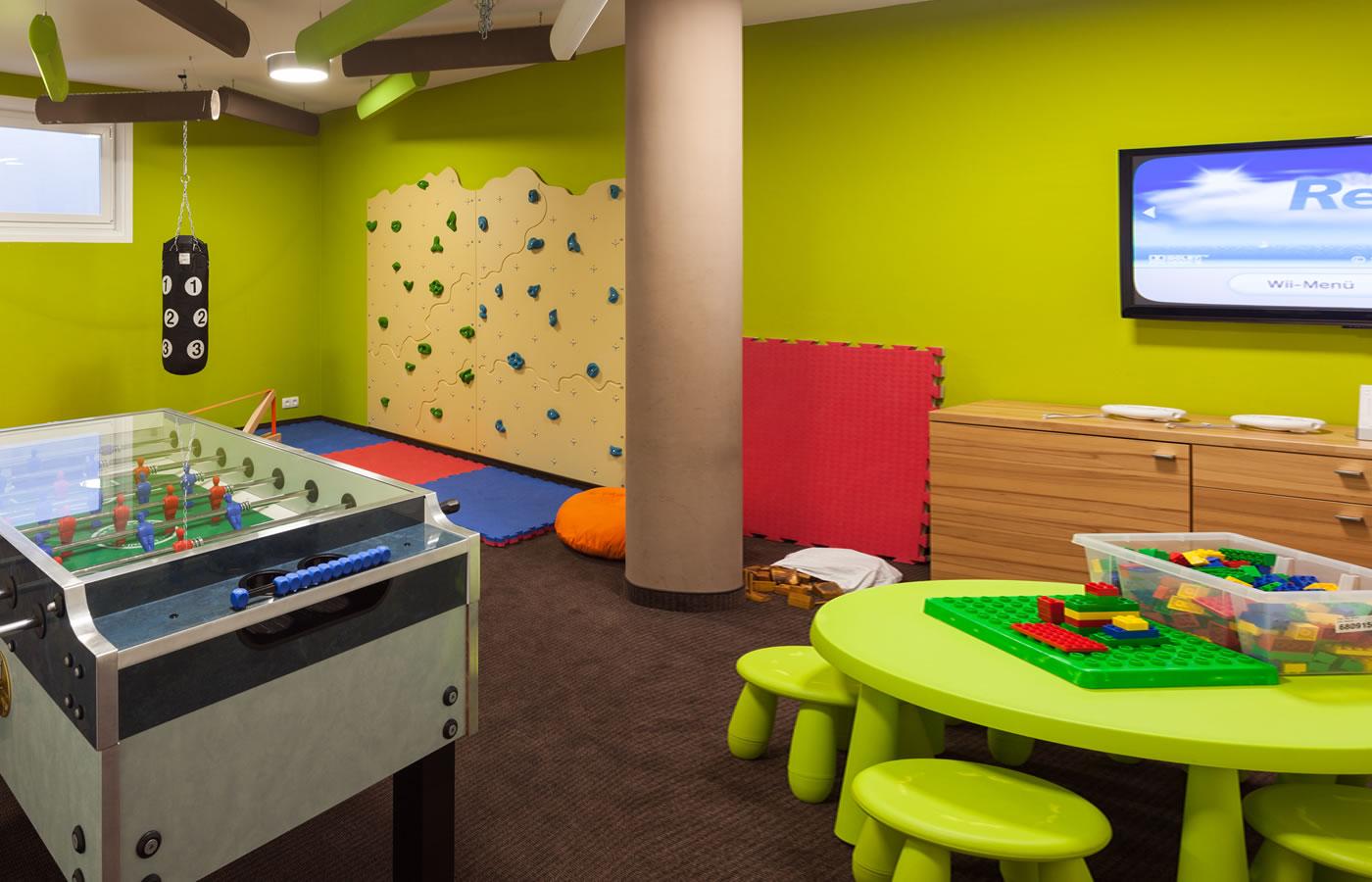 Kinderspielzimmer im Hotel Natürlich. Kinder und Baby-Urlaub in TIrol.