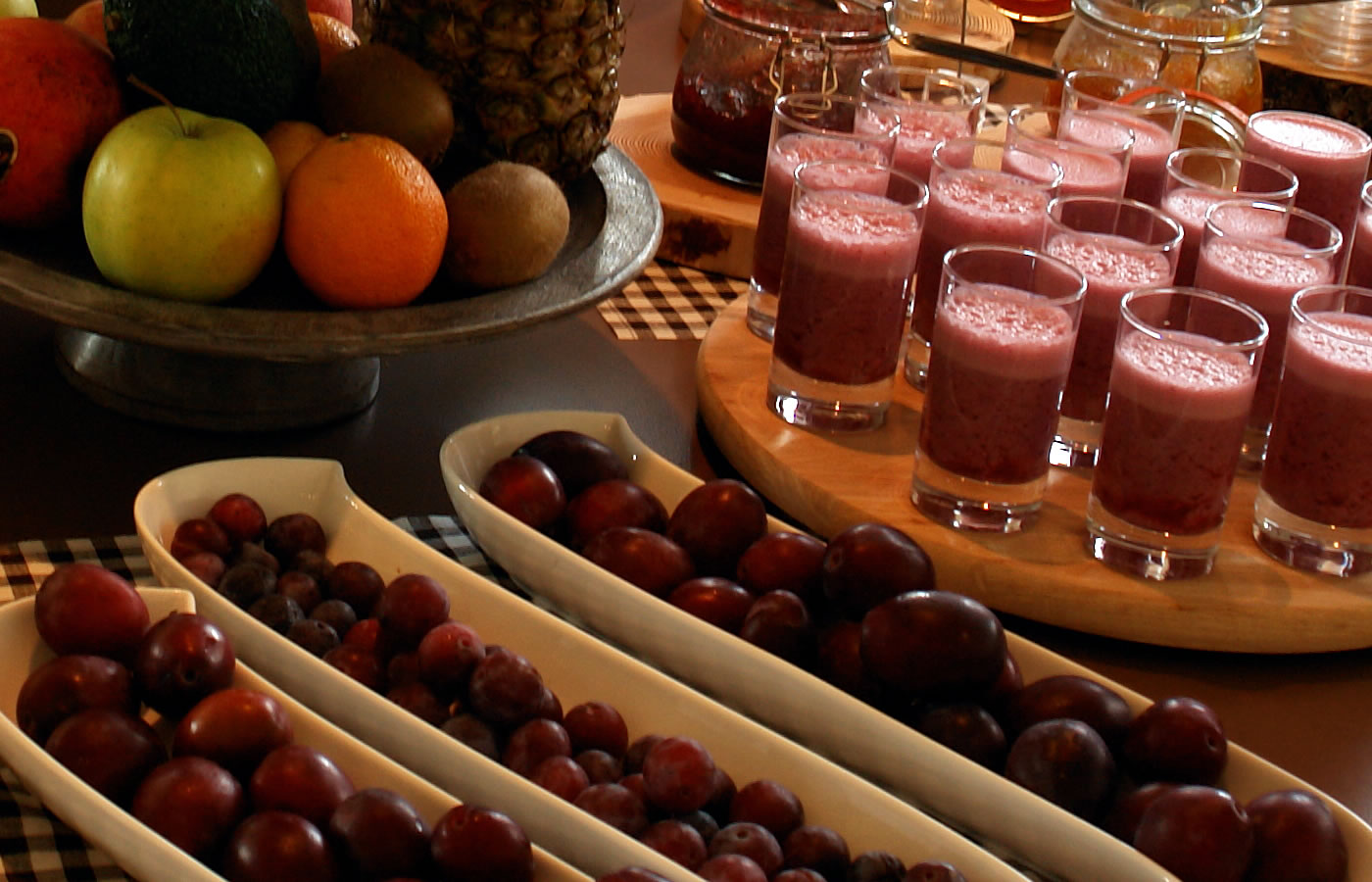 Obst, Gemüse und frische Shakes - Natürlich Frühstück in Fiss, Tirol.